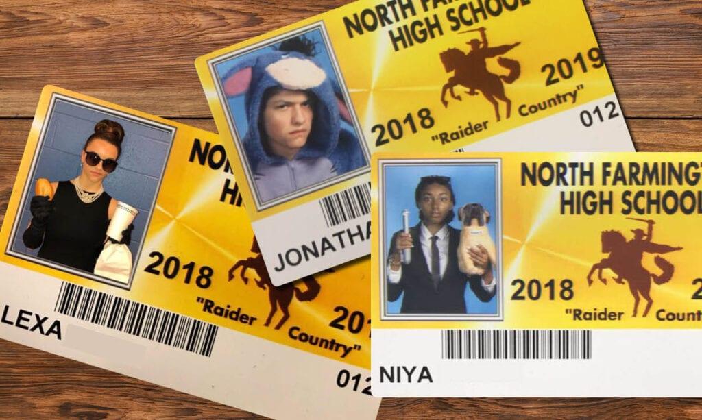 Las personas de la tercera edad de Farmington Hills toman fotos de identificación de Epic School