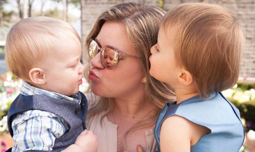 Kelly Clarkson Admits to Spanking Her Kids as Discipline