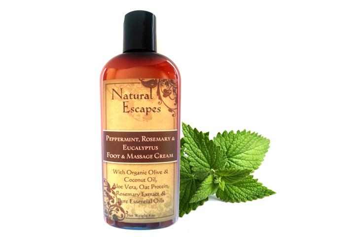 Massage mit natürlicher Minze, Rosmarin und Eukalyptus sowie Fußcreme