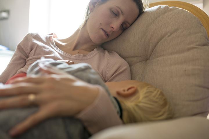Geh ins Bett, wenn dein Baby es tut