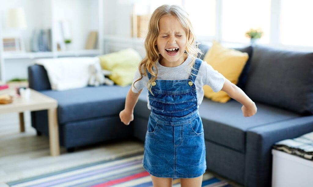 3 Möglichkeiten, das Verhalten von Kindern mit Autismus zu verbessern