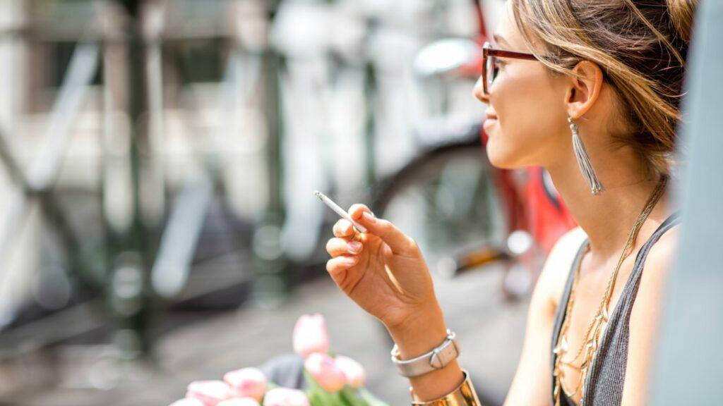 Hey Kinder, deine Mutter raucht Gras (aber du kannst nicht)