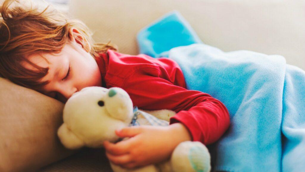 Hier ist ein weiterer Grund, warum es in Ordnung ist, sich über das Nickerchen Ihres Kindes Gedanken zu machen