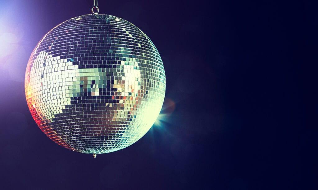 Qué ponerse para bailar en la escuela secundaria - y otros consejos