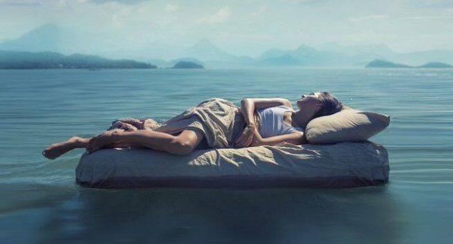 Befolgen Sie diese Tipps, um die Schlaflosigkeit nach der Geburt zu bekämpfen