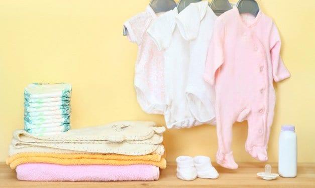 Die wichtigsten Dinge, die ein Neugeborenes braucht und was zu überspringen ist